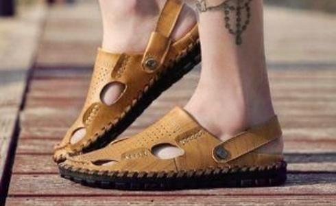 Jak vybrat dokonalé pánské sandály pro horké letní dny?