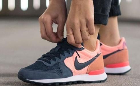 10 kladů a 3 nedostatky bot Nike Internationalist