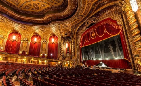 Jak se obléct do divadla, abyste nezpůsobili faux pas