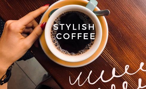 """""""Není umění nakupovat v konfekci, ale vymýšlet neotřelé kombinace z kousků, které už máme."""" říká blogerka Veronika Tázlerová"""
