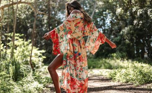 Kimono jako perfektní doplněk na léto. 9 konkrétních kousků, které si zamilujete