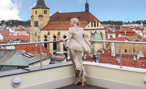 """""""V módě bychom si vždy měli zachovat svůj osobitý rukopis a signature look"""". říká stylistka Olga Oliwye Soukupová"""