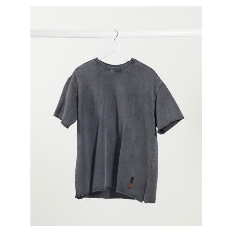 Bershka t-shirt in washed grey