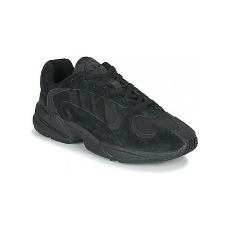 Adidas YUNG 1 Černá