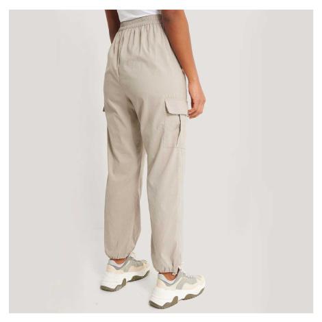 Béžové Cargo kalhoty NA-KD