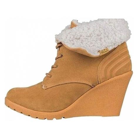 Dámské zimní boty s podpatkem Adidas