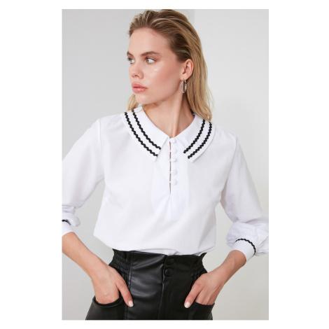 Trendyol White Collar Detailed Blouse