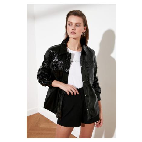 Trendyol Black Wrinkle-Looking Rugan Jacket Mont