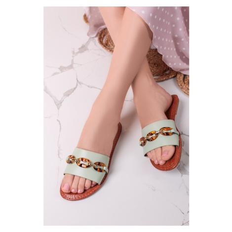 Mátové nízké pantofle Sally Givana