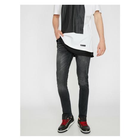 Koton Men's Black Low Waist Narrow Cut Extra Narrow Leg Ankle Shrinking Jean