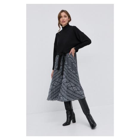 NISSA - Šaty a svetr