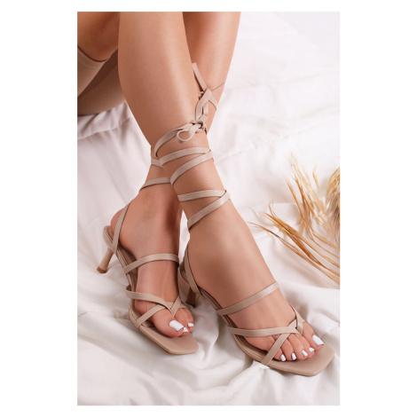 Béžové šněrovací sandály na tenkém podpatku Tya Ideal
