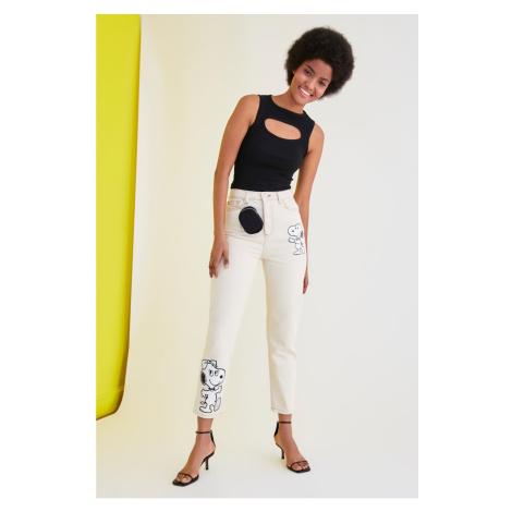 Trendyol Ecru Snoopy Licensed Printed High Waist Mom Jeans