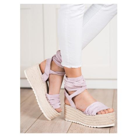 Pohodlné fialové dámské sandály bez podpatku