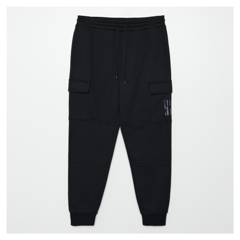 Cropp - Teplákové kalhoty cargo joggers - Černý