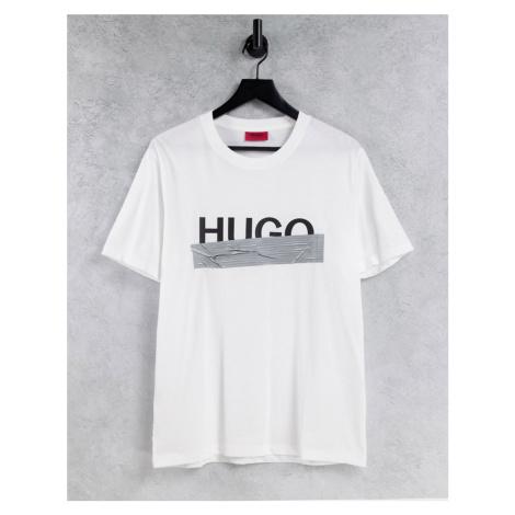 HUGO Dicagolino U204 contrast taped large logo t-shirt in white Hugo Boss