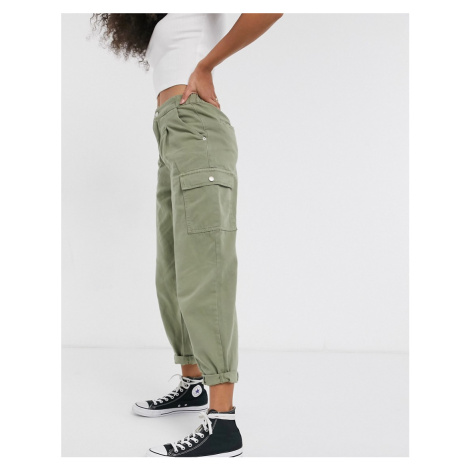 New Look balloon leg trousers with pocket detail in khaki-Green