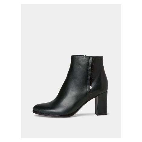Tamaris černé kotníkové boty na podpatku