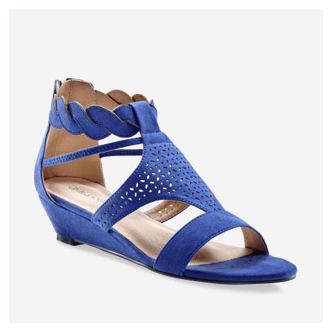 Blancheporte Perforované sandály se splétaným páskem modrá