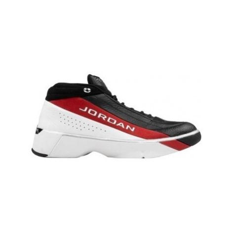 Nike Air Jordan Team Showcase ruznobarevne