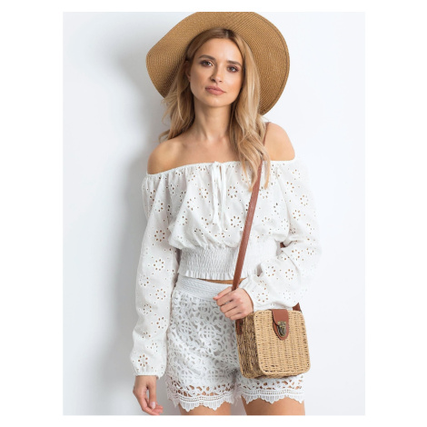 Shorts with white lace patterns Fashionhunters