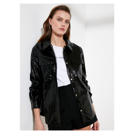 Trendyol černá lesklá bunda