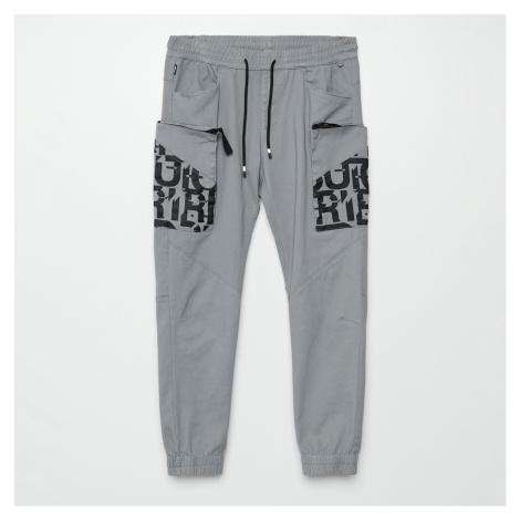 Cropp - Kalhoty jogger cargo - Světle šedá