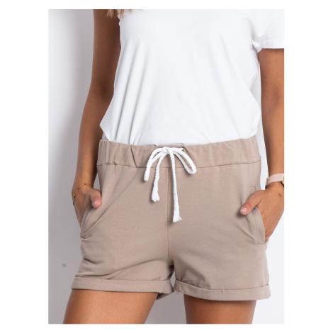 Ladies´ beige cotton shorts Fashionhunters