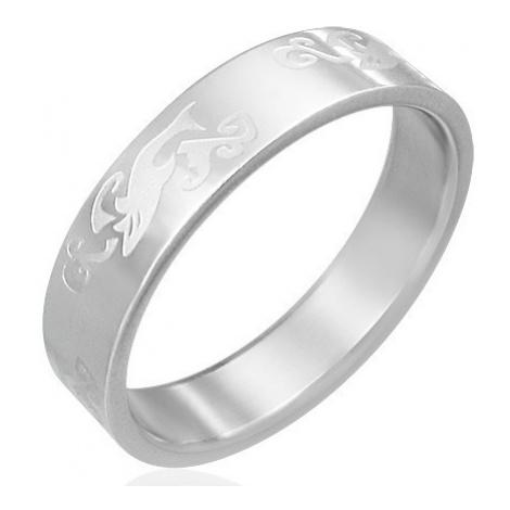 Prstýnek z oceli - gravírovaný žralok ve vlnách Šperky eshop