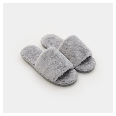 Sinsay - Chlupaté papuče - Světle šedá
