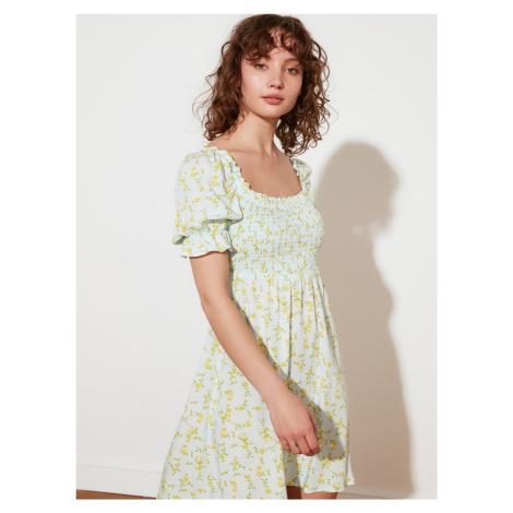 Trendyol světle zelené květované šaty