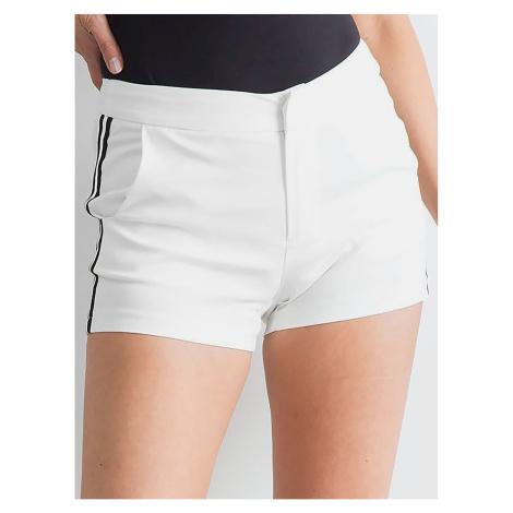 Ecru shorts with stripes Fashionhunters