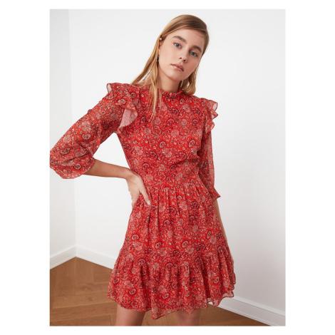Trendyol červené šaty se vzory