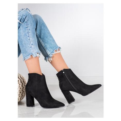Zajímavé dámské  kotníčkové boty černé na širokém podpatku Seastar