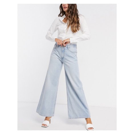 Levi's loose ultra wide leg in light wash blue Levi´s