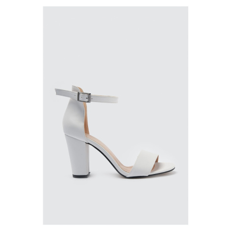 Trendyol White Single Band Women's Classic Heels