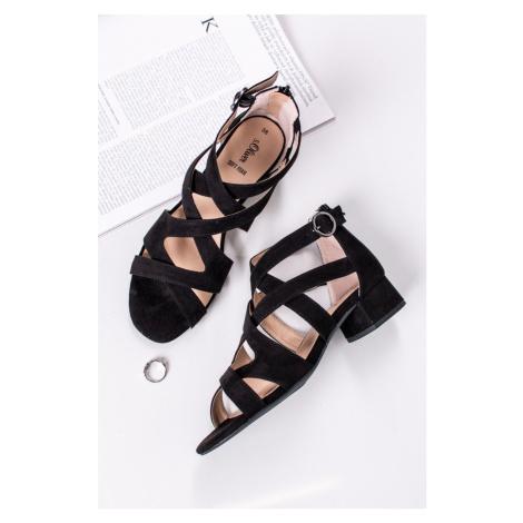 Černé sandály na hrubém podpatku 5-28209 s.Oliver