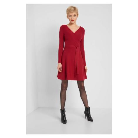 Žerzejové šaty a áčkovou sukní Orsay