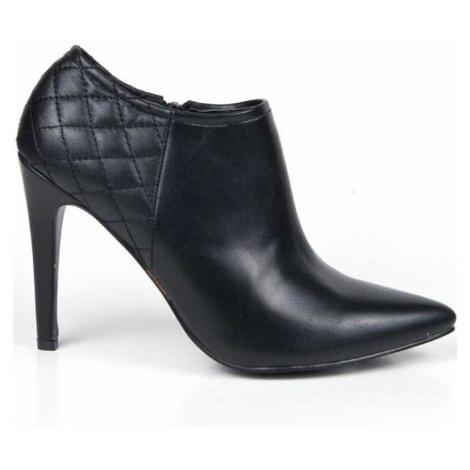 Černé boty na podpatku s prošíváním Alex Silva