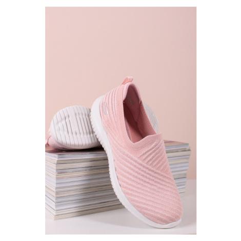 Světle růžové slip-on tenisky Ultra Flex - Cool Streak Skechers