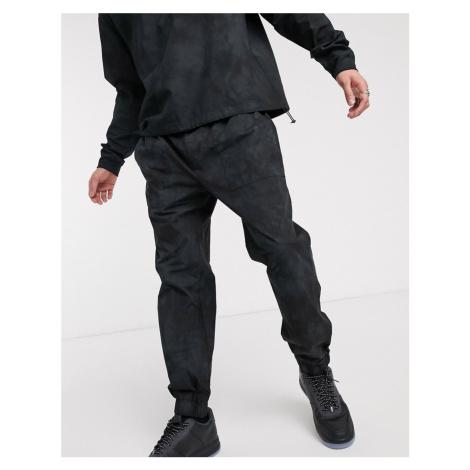 Mennace slim tie dye joggers in black