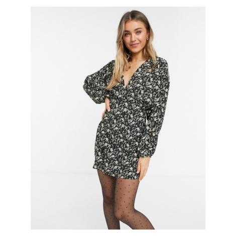 Pull&Bear v neck mini dress in dark floral print-Multi Pull & Bear
