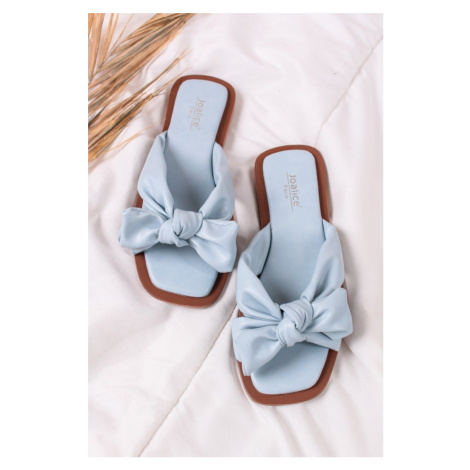 Světle modré nízké pantofle Namira Bestelle