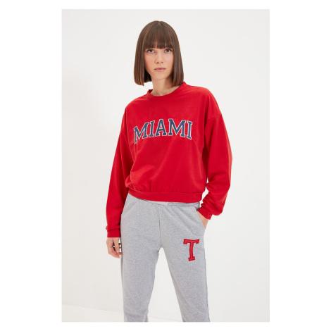 Trendyol Red Embroidery Basic Knitted Slim Sweatshirt