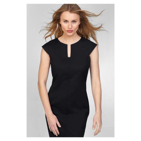 Elegantní přiléhavé šaty Orsay