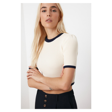 Trendyol Ekru Biyeli Crop Knitwear Sweater