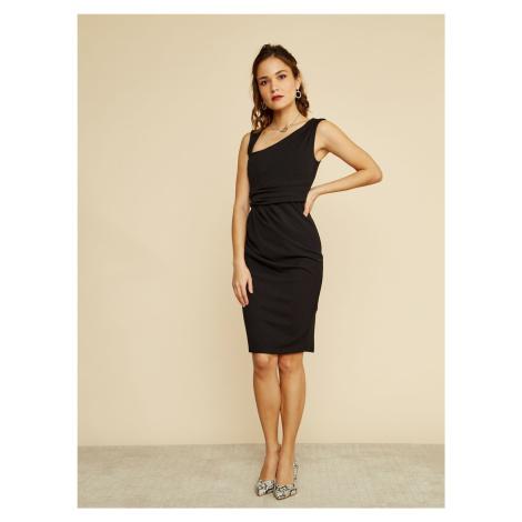 ZOOT černé pouzdrové šaty