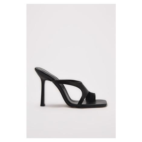 Trendyol Black Square Toe Women's Slippers
