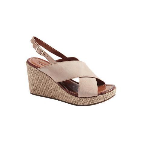 Pudrové kožené sandály na klínovém podpatku 5th Avenue