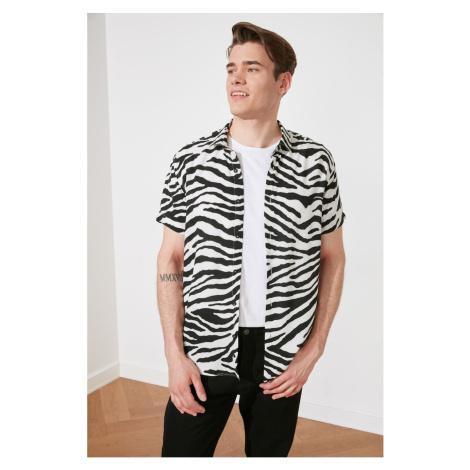 Trendyol Black and White Men's Regular Fit Shirt Collar Short Sleeve Shirt